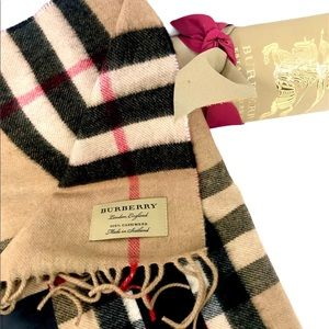 NWT Burberry Reversible Cashmere Scarf